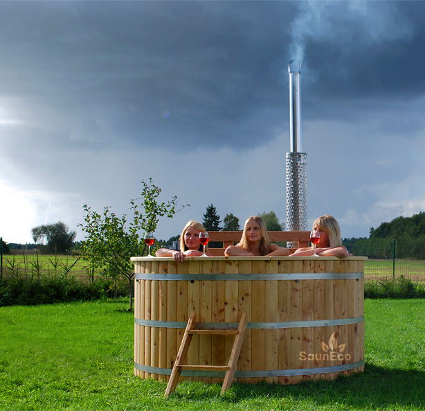XXL Round Wooden Hot Tub